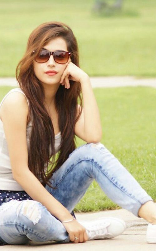 Call Girls in Holidays inn Lahore